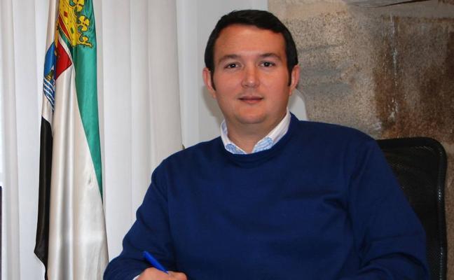 Los ayuntamientos extremeños piden a Montoro que les permita reinvertir su superávit