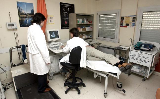 Los médicos rechazan que se obligue a los MIR a quedarse en la comunidad