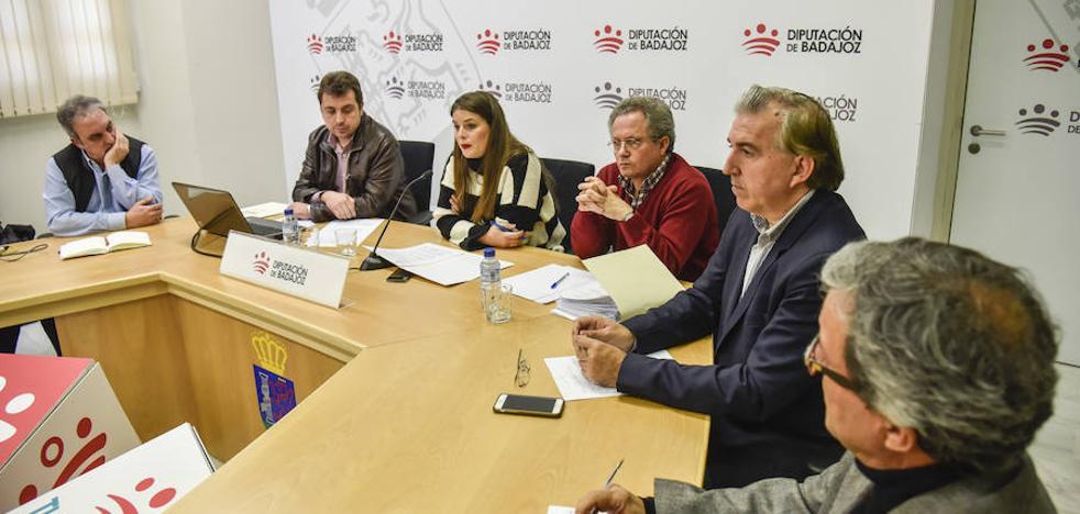 Solo Badajoz, Almendralejo y Guadiana del Caudillo se resisten a retirar sus vestigios