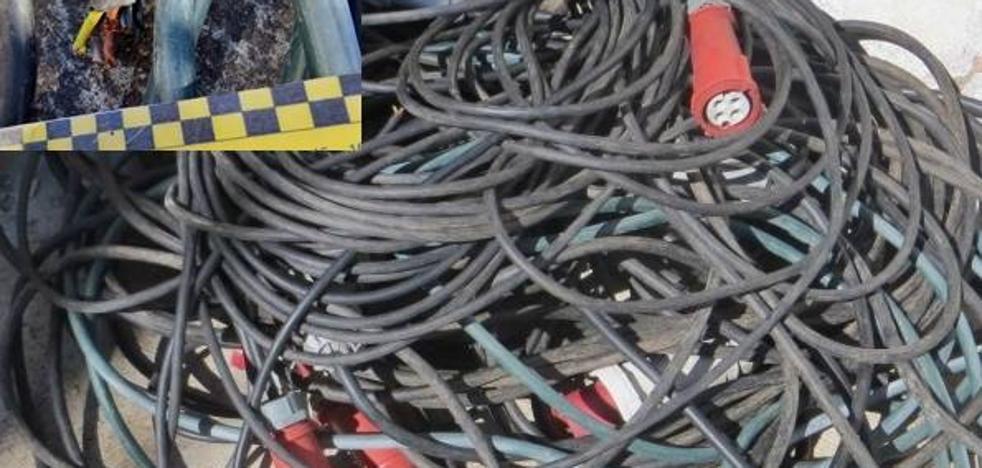Interceptan a un vecino de Arroyo de San Serván mientras transportaba cableado robado