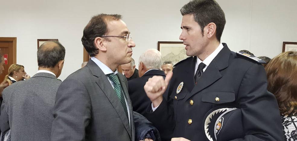 La investigación no descarta que el arma del jefe de la Policía Local de Cáceres la sustrajese un agente