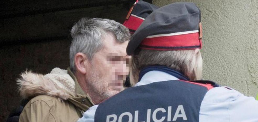 El hijo del presunto asesino de Susqueda queda en libertad con cargos solo por tráfico de drogas
