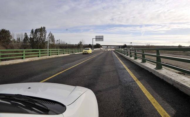 Aprueban una moción a favor de la la autovía entre Cáceres y la capital pacense