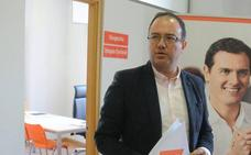 Cs acusa al PSOE y al PP de usar a los agricultores como armas políticas