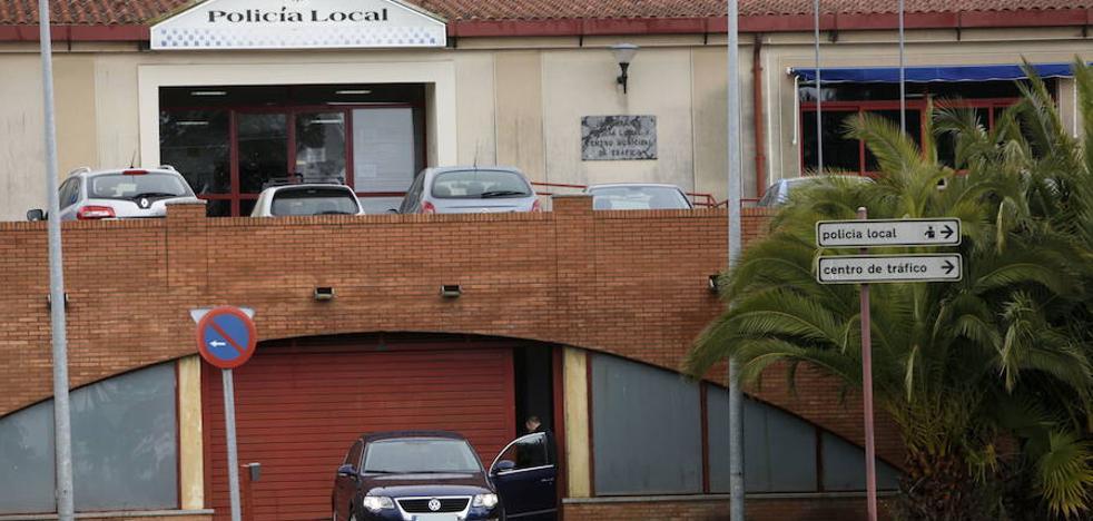 Plantean mejorar la seguridad en la Policía Local de Cáceres tras el robo de la pistola
