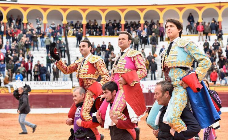Los espectáculos taurinos de este domingo en la Feria de Olivenza, en imágenes