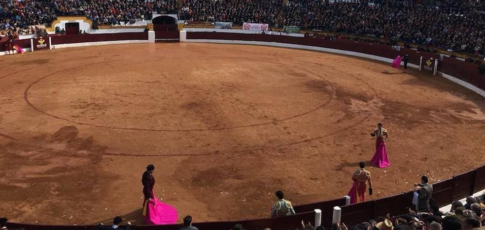 Corrida de toros de Enrique Ponce, Antonio Ferrera y Roca Rey en la matinal de este domingo