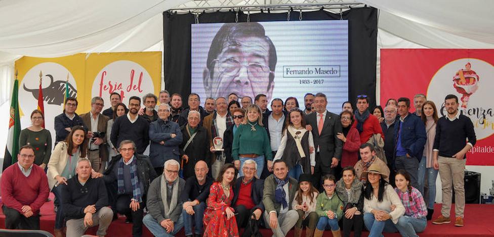 Olivenza homenajeó a Fernando Masedo