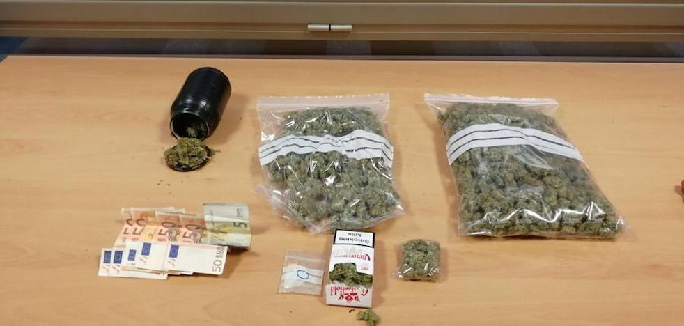 Detenido un joven en Mérida con 300 gramos de marihuana en su vehículo