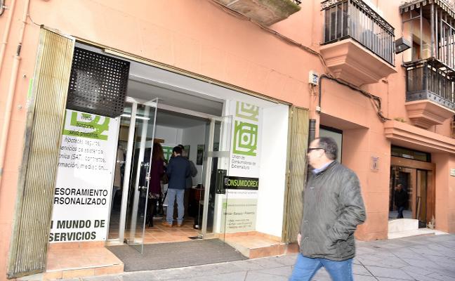 Inauguran la oficina de la Unión de Consumidores en Plasencia