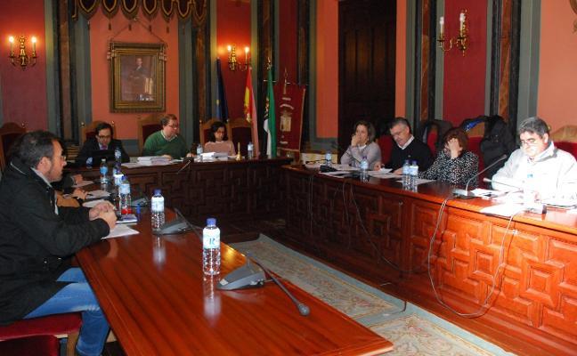 Vía libre en Trujillo al pago de facturas tras superar dos reparos en Pleno