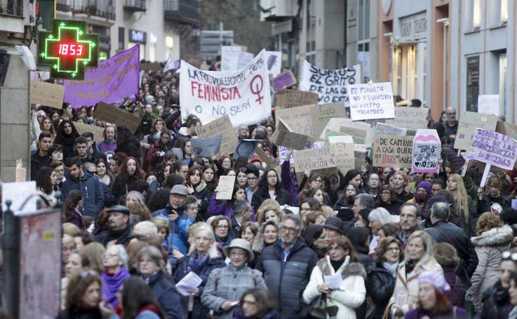 Las cacereñas piden igualdad real en la calle