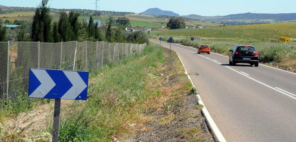 Las obras en las carreteras de Don Álvaro a Mérida y de Quintana a la Ex-210 se licitan por 5 millones