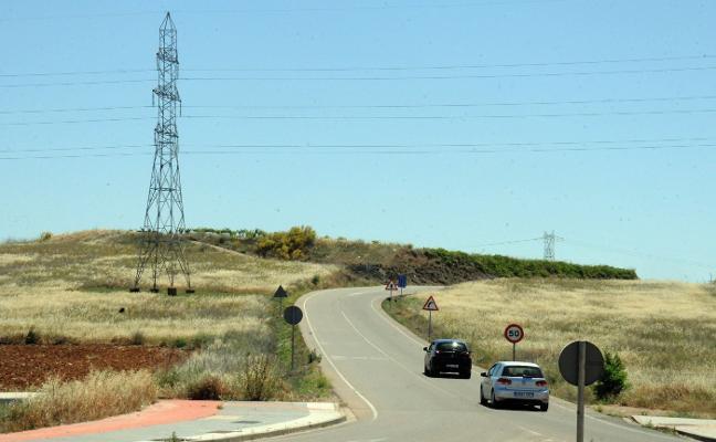 Las obras de mejora de la carretera a El Prado y a Don Álvaro empezarán en verano