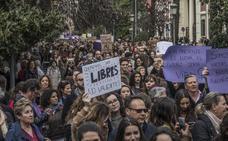 Los paros se notan poco en el trabajo y mucho en las manifestaciones