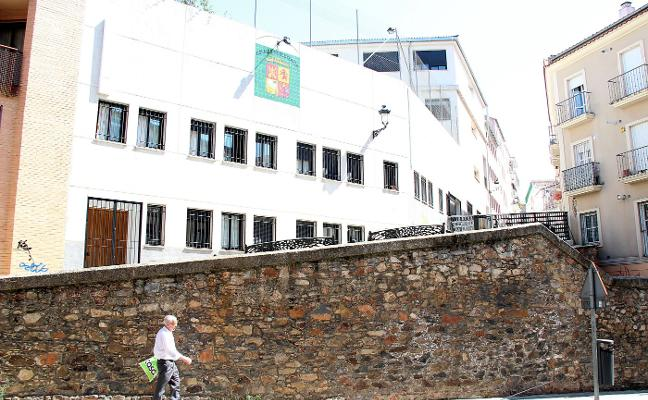 El colegio Paideuterion planea dejar su actual ubicación en el centro de Cáceres
