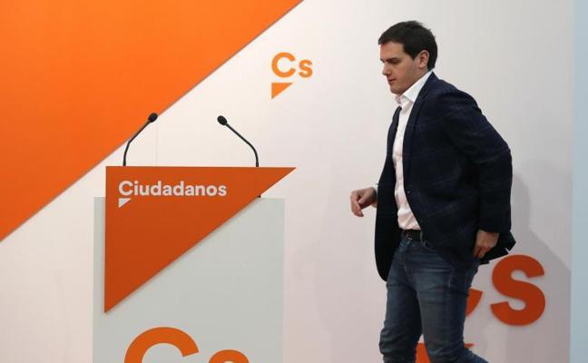 Rivera pide a Rajoy que cumpla el pacto de investidura y piense «más en España»