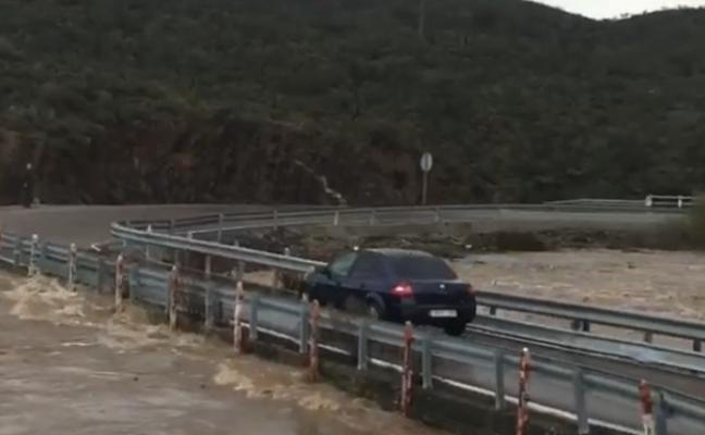 17 tramos de carreteras pacenses se han visto afectados por saltos de agua