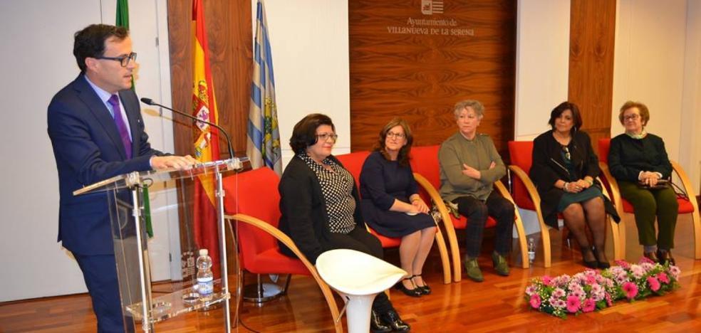 21 mujeres crean la asociación 'Renacer' en Villanueva