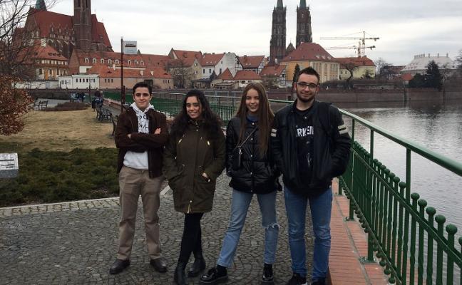 Alumnos y profesores del Sagrado Corazón presentarán una particular guía en Polonia