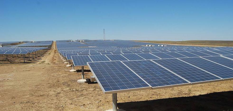 Dos nuevas plantas fotovoltaicas solicitan el visto bueno de la Junta