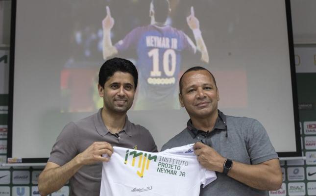 «Neymar tiene un futuro en el PSG», afirma su padre
