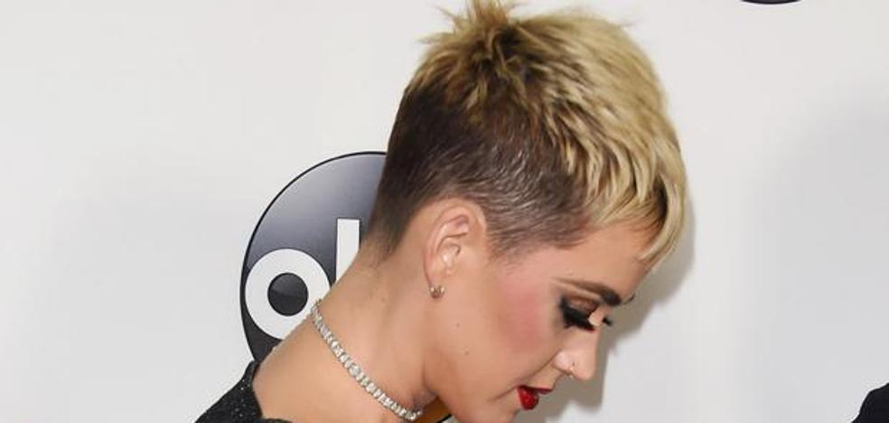 Una monja muere durante un juicio contra Katy Perry