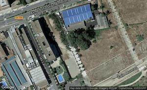 Un juez condena al Ayuntamiento de Badajoz a vallar y limpiar un solar de su propiedad
