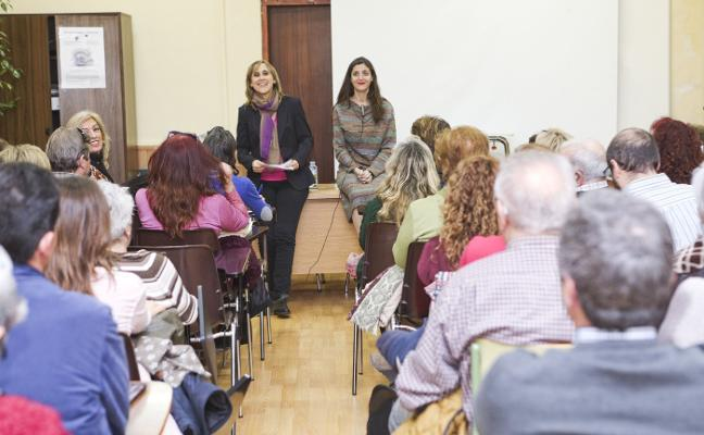 Espido Freire, en el centro de adultos