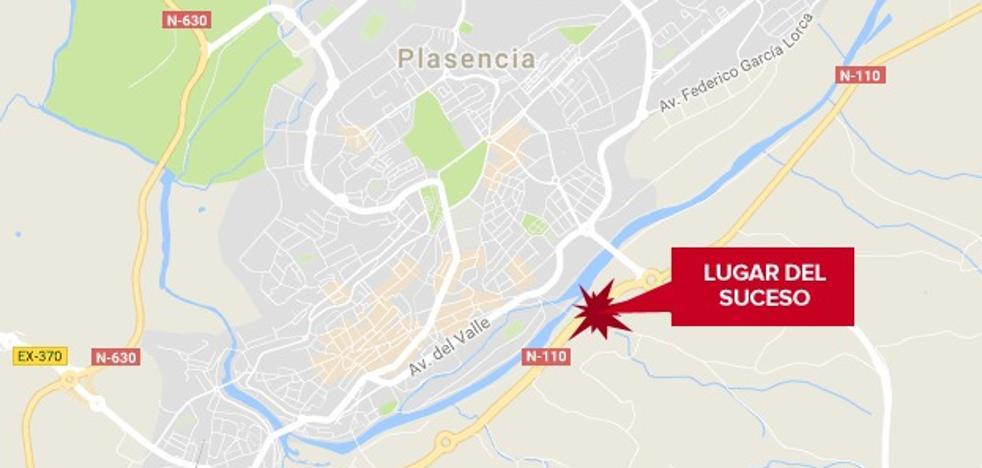 Heridos dos hombres de 17 y 51 años en una salida de vía y posterior atropello en Plasencia