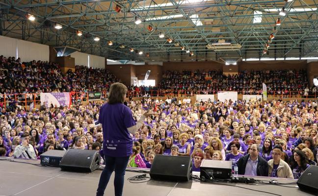 3.400 extremeñas llevan a las #Mujereshastalacima en la carrera de la mujer