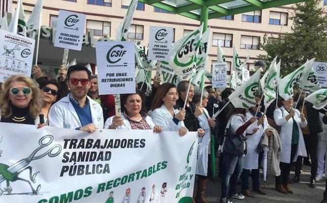 Empleados del hospital piden las 35 horas y el desbloqueo de la carrera profesional