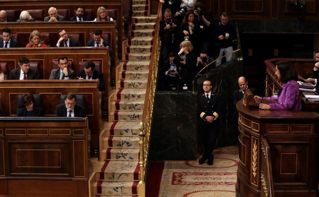 Robles, a Rajoy: «El lazo póngaselo al BOE»