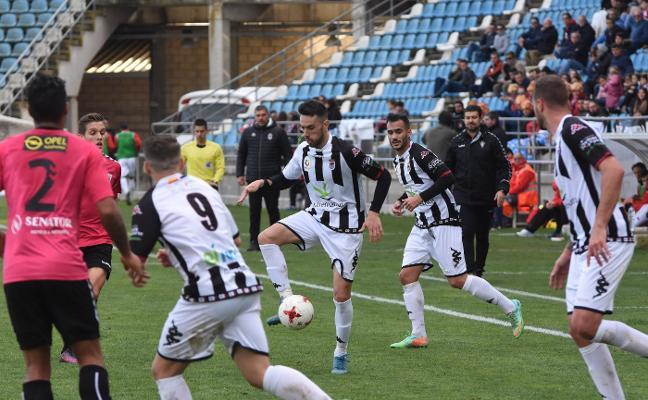 El Badajoz recibirá al Granada B el domingo de Ramos a las 12.00 horas