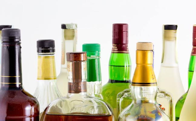 Intervienen 2.500 botellas de ron falsas en 8 empresas de Extremadura y Andalucía