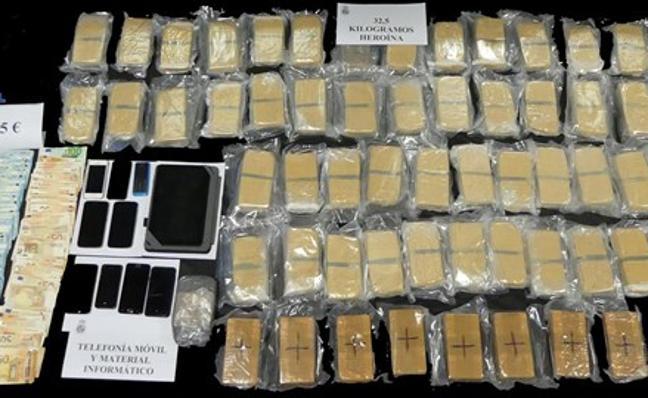 Interceptados en Extremadura cuatro vehículos con doble fondo con 800 kilos de cocaína