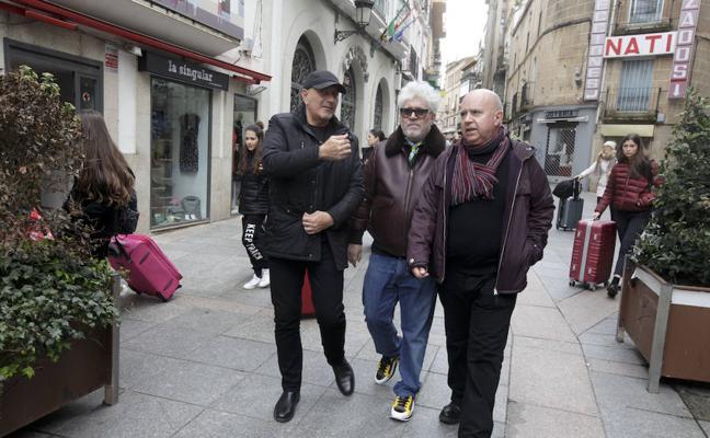 Almodóvar ya está en Cáceres para recoger el galardón del Festival Solidario de Cine