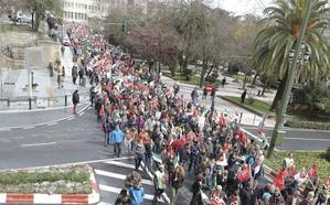 Miles de extremeños salen a la calle para reivindicar unas pensiones dignas