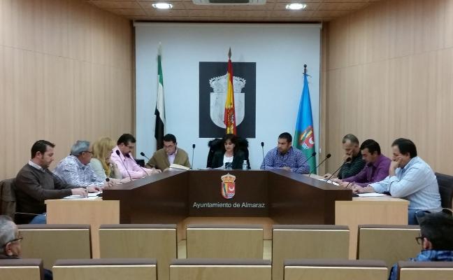 Más de 65.000 euros para liberar a la alcaldesa y un edil