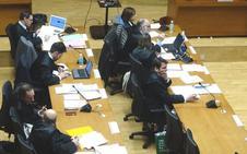 El fiscal rebaja la pena a 34 de 117 acusados de blanqueo de dinero