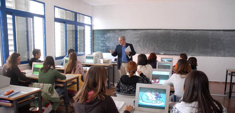 Extremadura es la región donde más alumnos pasan la ESO con suspensos
