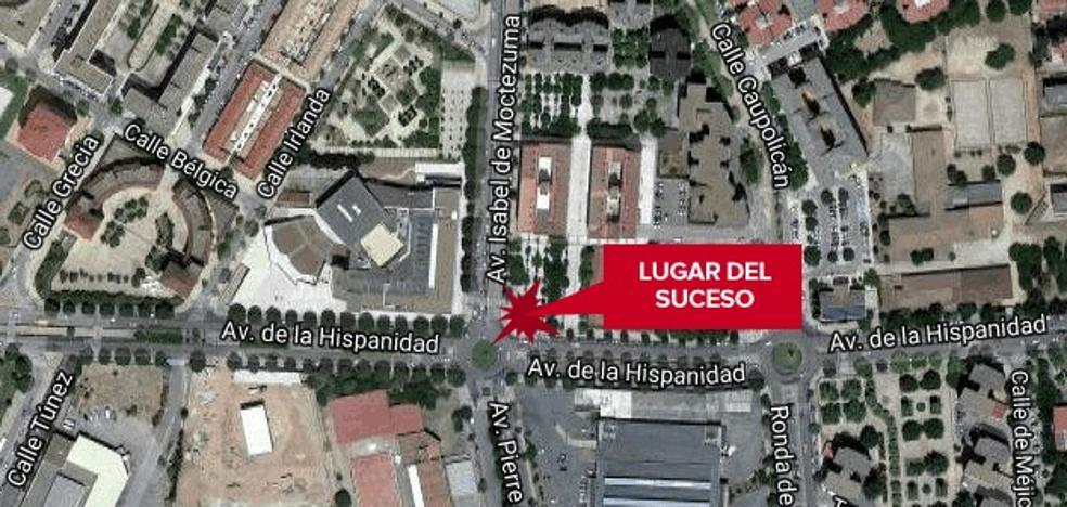 Herido grave tras ser atropellado por un vehículo en la avenida de la Hispanidad de Cáceres