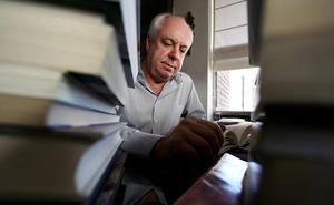 Mendicutti se reencuentra con su infancia en su nueva novela, 'Malandar'
