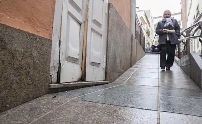 El Gran Teatro de Cáceres denuncia que una de sus puertas ha sido forzada de madrugada