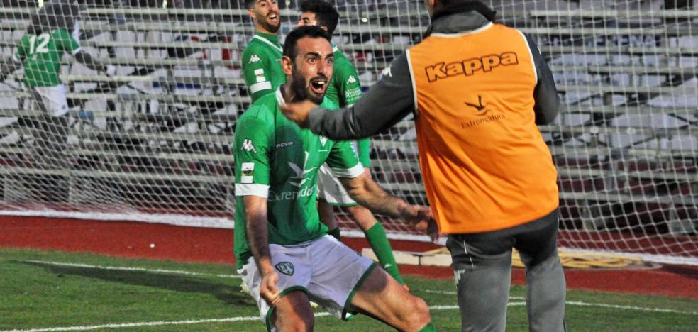 El Villanovense anuncia la renovación de Javi Sánchez