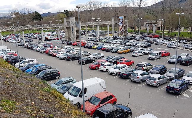 Plasencia pide fondos para parkings inteligentes, GPS en el bus y wifi gratis