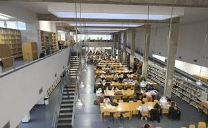 La Junta y la UEx estudiarán una bajada de la tasas universitarias