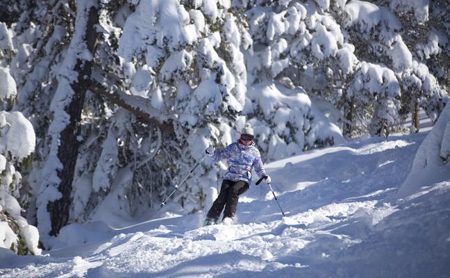 Esquiar entre bosques y rozando las estrellas por solo 39 euros
