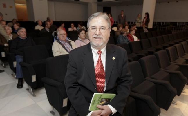 Conferencia de Antonio Bueno en el Ateneo de Cáceres