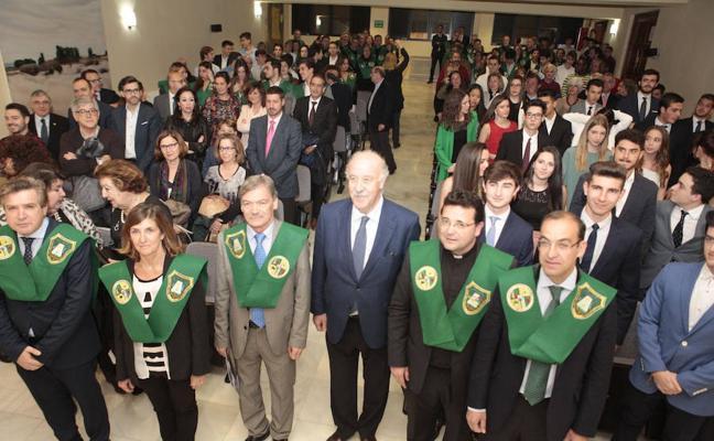 Vicente del Bosque en el Colegio Mayor Universitario San José de Cáceres